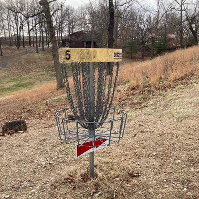 Love how easy it is to navigate. Follow the  arrow to the next tee
