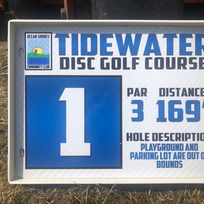 Tee signs at every tee pad that shows home number, par, distance, and any OB.