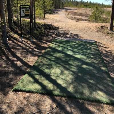 Pikkarala is combination of sandy fairways with tree bark and some tighter wooded holes.