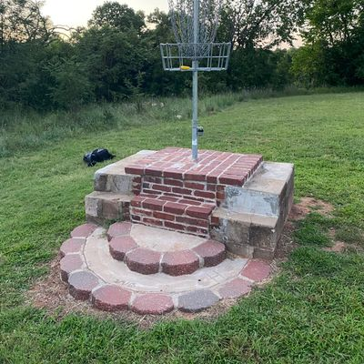 Neat elevated basket to close out the round on.