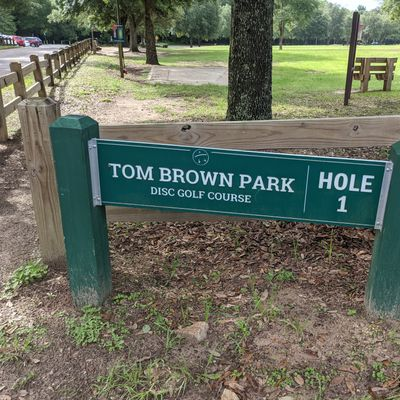 Tee off sign