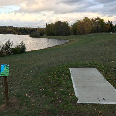 Long hole 14 along Boulevard Lake
