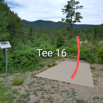 Tee 16, very long on the side of a ravine.