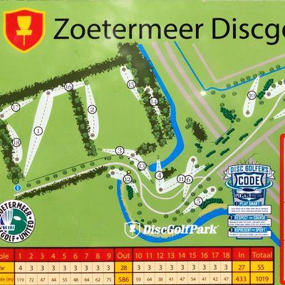 Disc golf park board